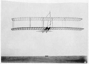 1902Glider_from_Rear
